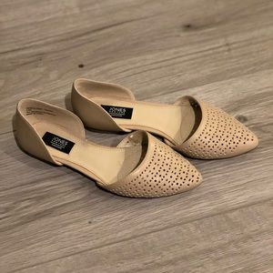 *SOLD* Cute D'orsay flats